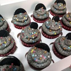 Cup Cakes de Oreo_con mini oreos